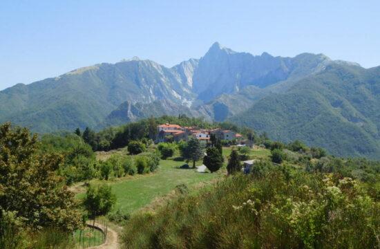 Escursione a Equi Terme | Naturatour